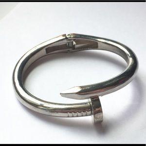 Jewelry - Vintage SILVER NAIL HINGED BRACELET